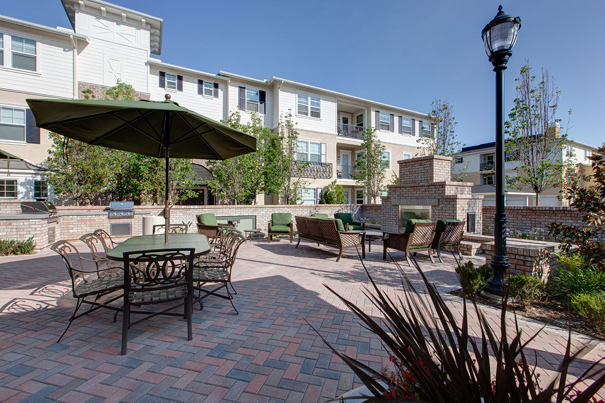 Coventry Court Apartments Tustin